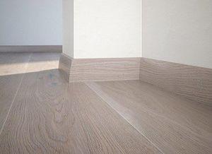 Floor plinth P30 oak Touch
