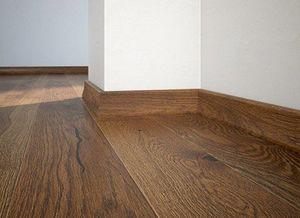 Floor plinth P20 oak Terra